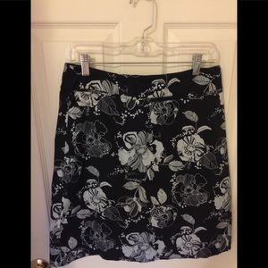 Black & White Print Skirt in Great Condition!
